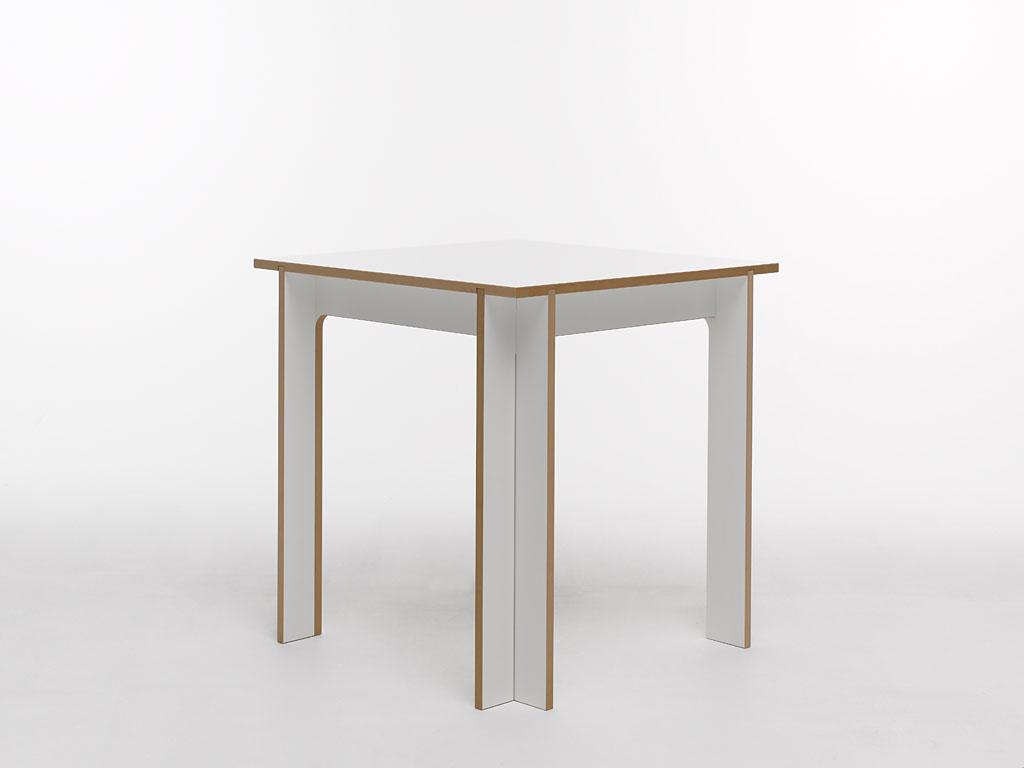 Tojo Klein Tisch